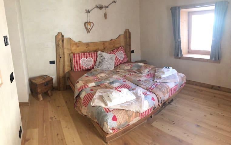 """""""Sora Croda"""" Room in the Dolomiti near Cortina"""