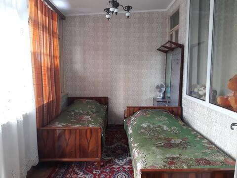 Комната в центре Сухума рядом с морем.