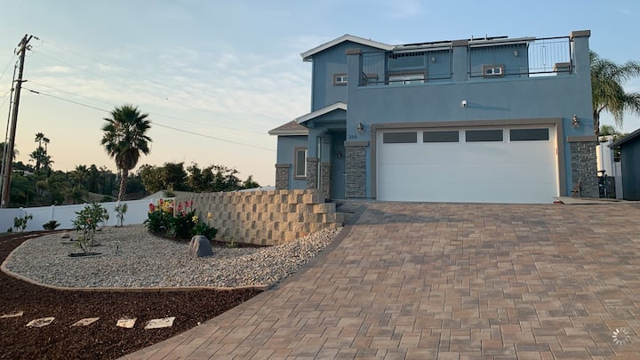3 BR, Newly built home with view & infinity pool