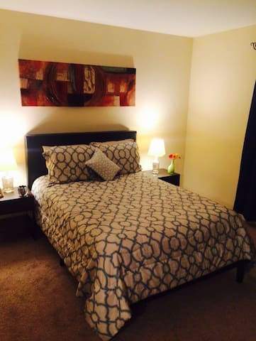 Nice private room near Univ/Disney