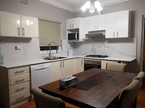 Quiet house in Narwee