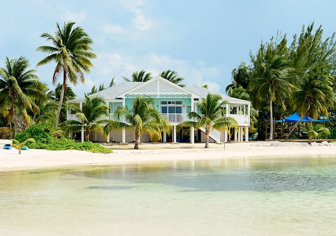 'The Cottage' at Rum Point - Private Getaway!