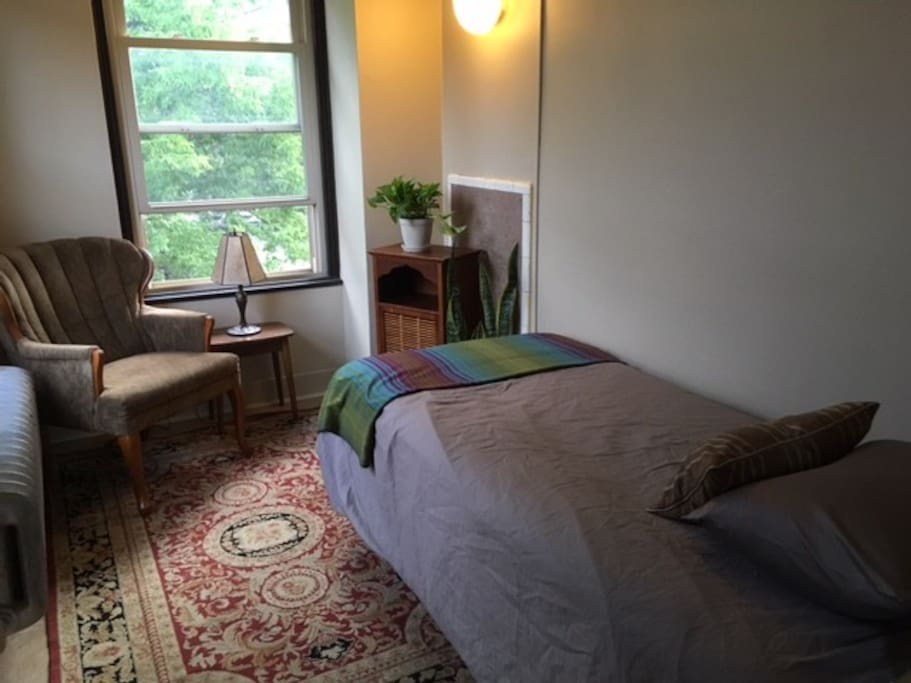Cozy Little Bedroom In Uptown Art Center Apartments For Rent In Minneapolis Minnesota United