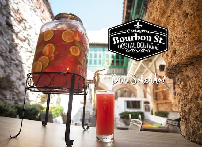 Bourbon St Hostel 14 Bed Dorm 2