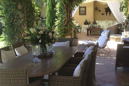 Villa de charme  à deux pas de saint Tropez