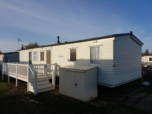 Spacious 8 berth holiday home on the Norfolk coast - Hunstanton