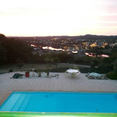 """Gîte """" Darrecastel """"  - Penne-d'Agenais, Aquitaine-Limousin-Poitou-Charentes, FR - Huis"""