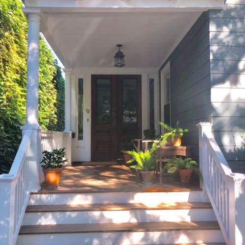 Clean, quiet, beautiful in Davis Sq, Somerville