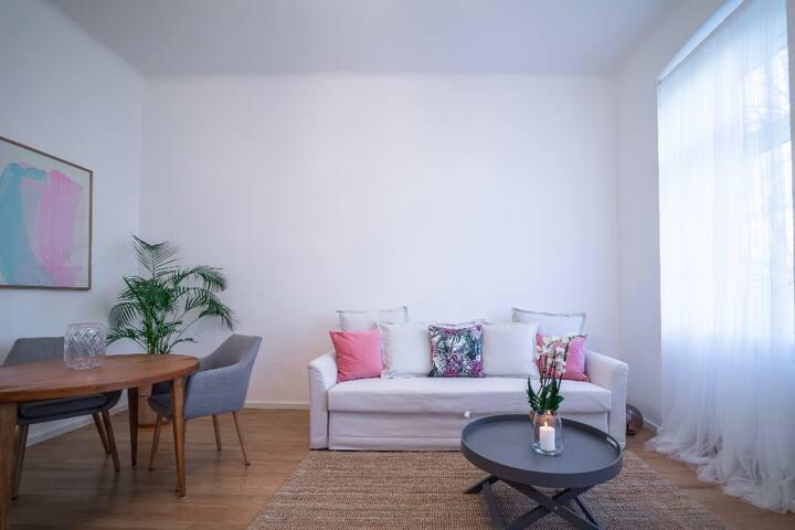 Beautiful & Cozy Apartment near Wiener Stadthalle