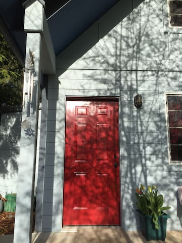 The Red Door Guest House - Sequim - In-law