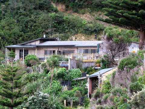 Bay View Holiday House, Marlborough Sounds, NZ