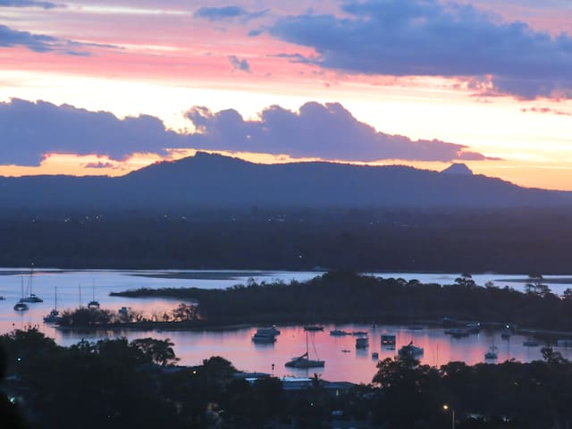 Modern apartment with amazing views. - Noosa Heads - Apartment