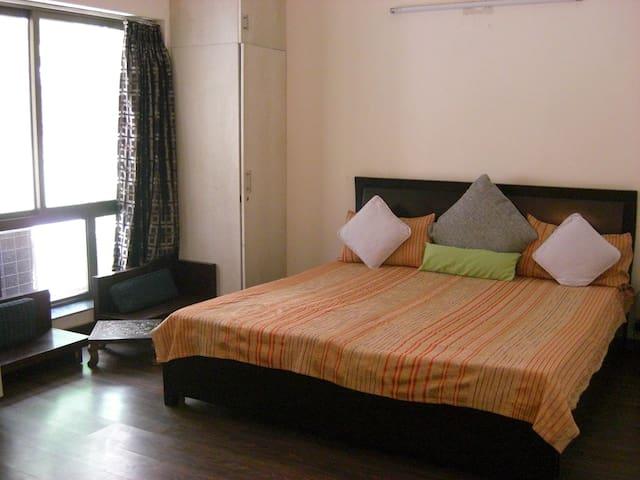 Welcome to the family :) - Gurgaon - Apartamento