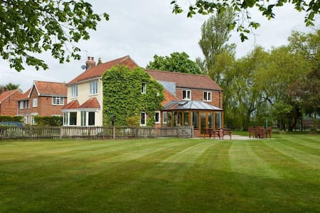 Large detached house near York - House