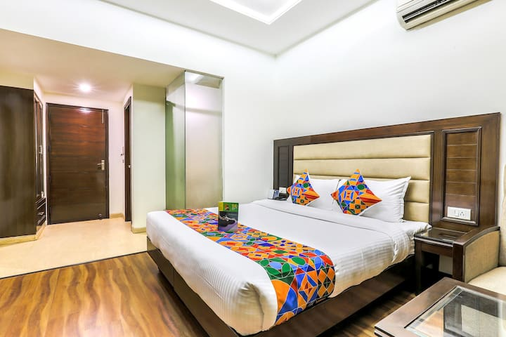 Premium Luxurious Stays @Sector 35C
