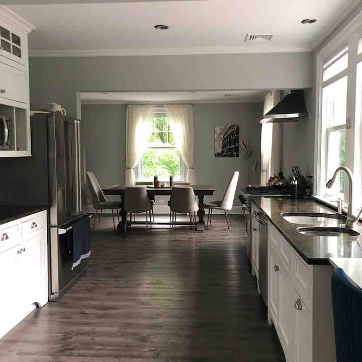 Spacious family home in downtown Greenwich