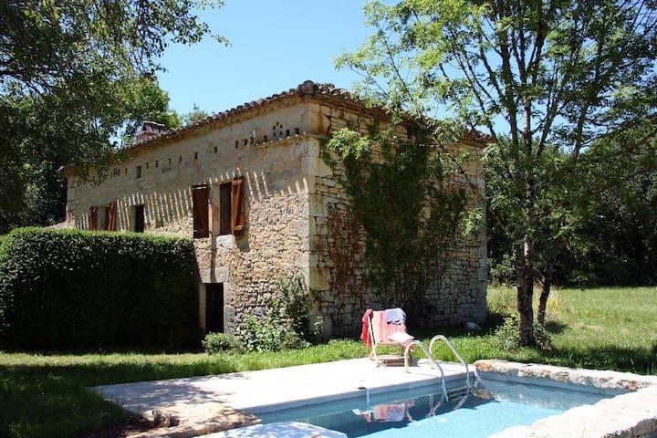 La chevalière maison dans le Sud Quercy  Lot