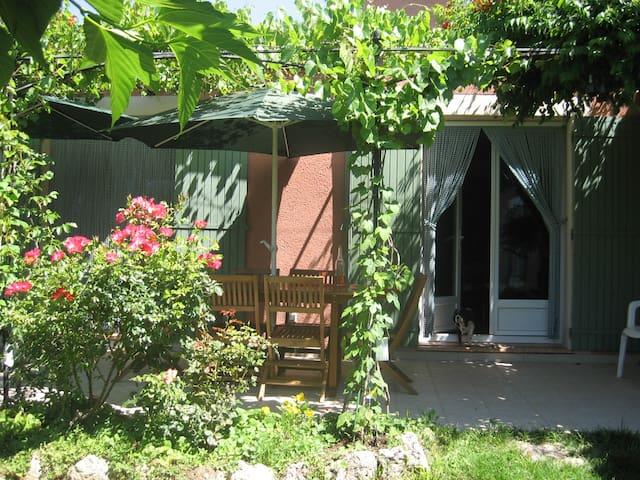 maison de style provençal - Pernes-les-Fontaines - Apartamento