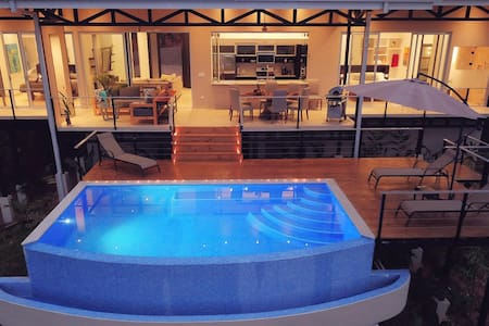 SPECIAL RATE FOR TICOS AND RESIDENTS $200 A NIGHT NOW UNTIL OCTOBER 31ST