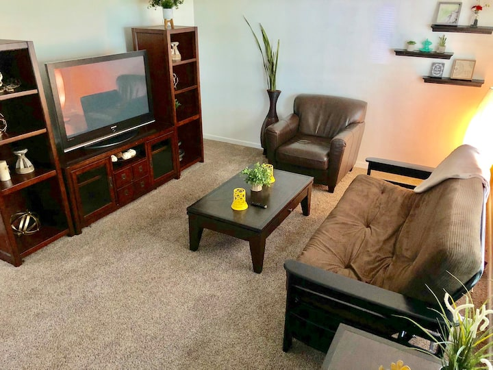 PRIVATE COZY 2BR LOCATED NEAR AIRPORT HIGHWAY