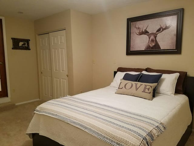 Cozy Bedroom in Beautiful Home - Silverthorne - Casa