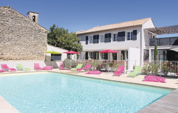 Holiday apartment with 2 bedrooms on 83m² in Richerenches