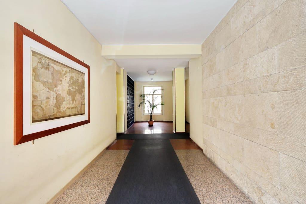 Ingresso casa/home entrance/entrée du batiman