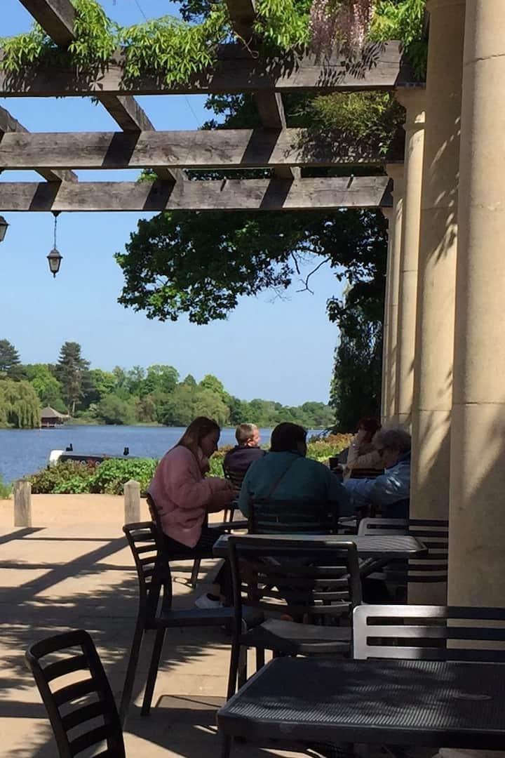 Pavillion Cafe by Hever Lake
