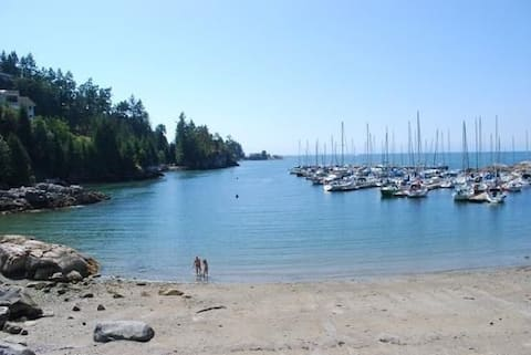 Beautiful Beach Vacation in West Vancouver!
