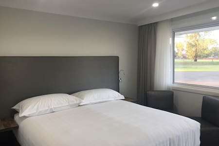 The Duck Inn Apartments-Tamworth - Tamworth - Betjent leilighet