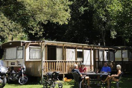 Wohnmobil auf Camping Kautenbach - Kautenbach - Lakókocsi/lakóautó