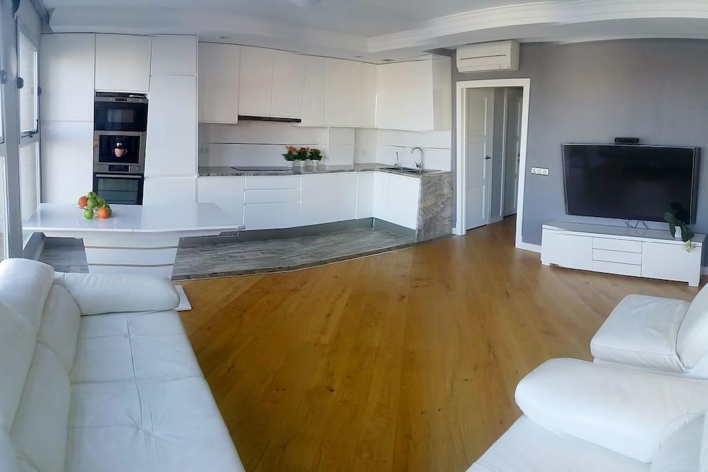 Salon studio-kitchen