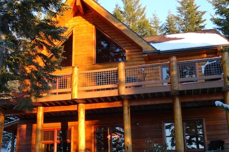 Luxury Log Cabin nr Crescent Lake & Crater Lake - Zomerhuis/Cottage