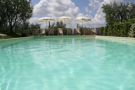 Villa&pool, and cottage between Pisa and Firenze - Treggiaia