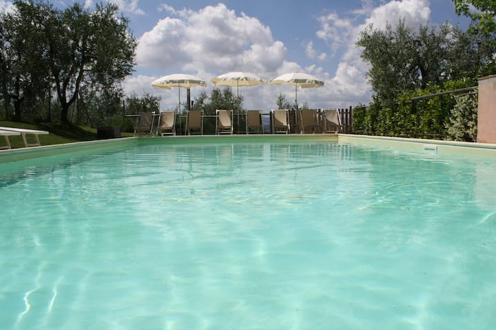 Villa&pool,  between Pisa and Firenze