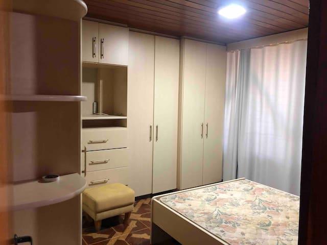 Casa para locação completa - quarto disponível