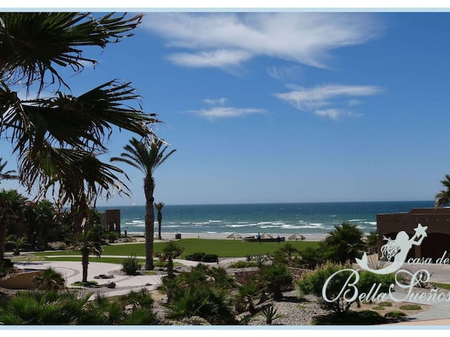 Luxury 3 Bedroom Oceanview Villa -- Beach Dream!