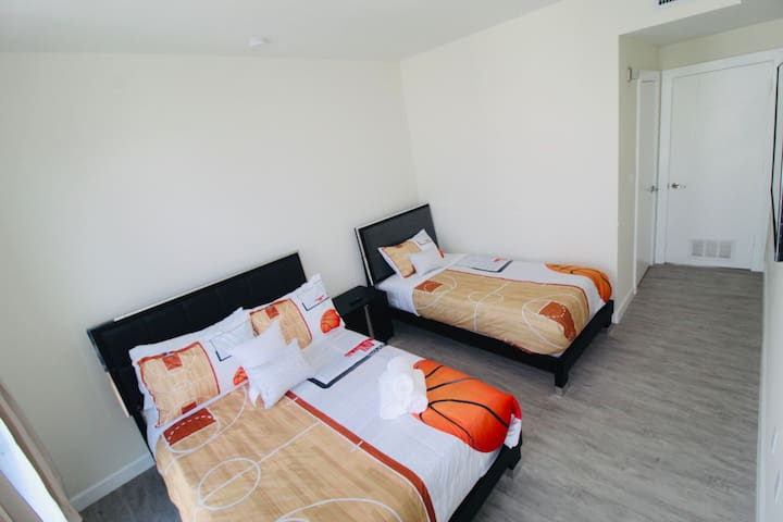 2nd Master Suite with Full Private Bathroom and Balcony. Very comfy mattresses and spacious bedrooms!