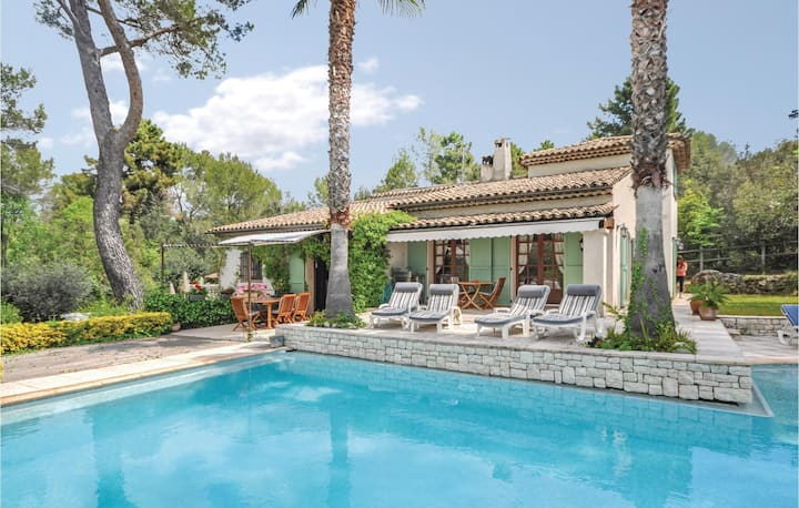 Nice home in Roquefort les Pins with WiFi and 4 Bedrooms