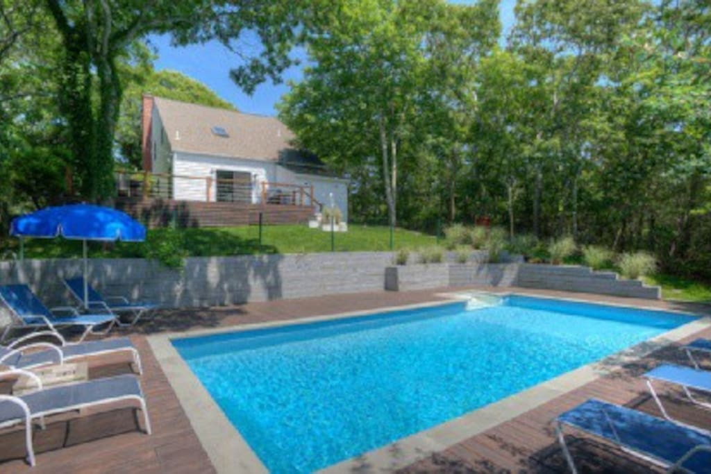 Perfect summer retreat houses for rent in east hampton new york united states - Large summer houses energizing retreat ...