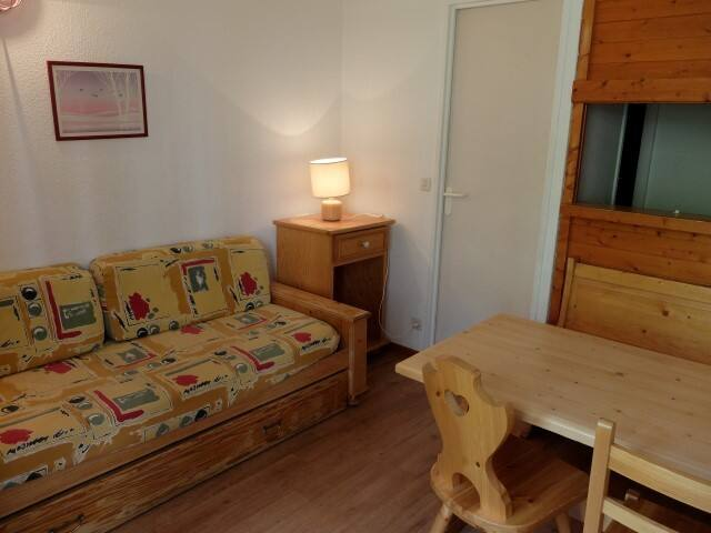 Studio situated in  Val Claret area above shops and at 20 meters from the funicular.