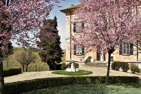 Fascinosa villa in collina - Val Tidone