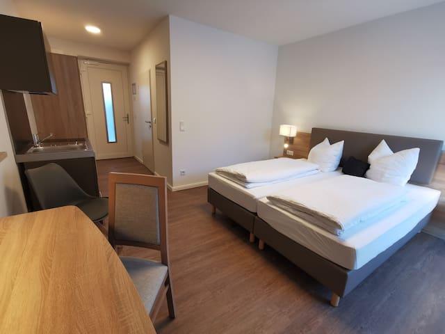 bequeme Betten als Doppelbett (180x200cm) oder als 2 Einzelbetten (90x200cm)