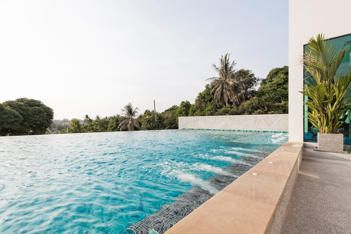 NAUTICAL HOME near Nai Yang beach (pool&gym)