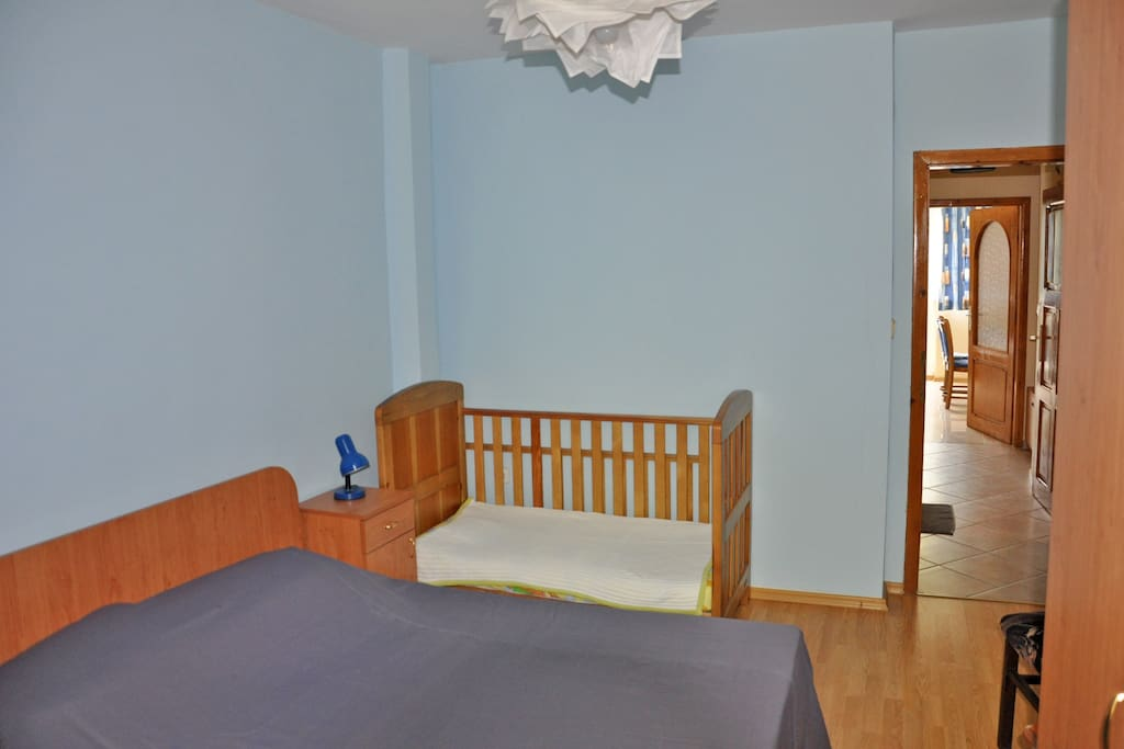 Bedroom with toddler bed