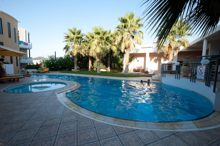 Luxury suite with swimming pool near Chania - Chania - Villa