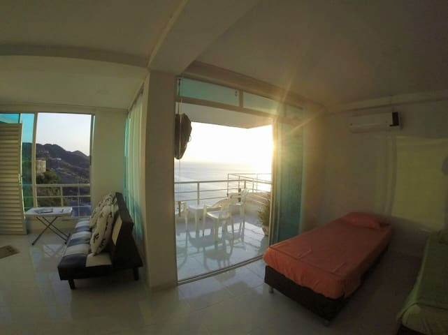 Luxurious aparment with the best sunset view - Santa Marta (districte turístic, cultural i històric)