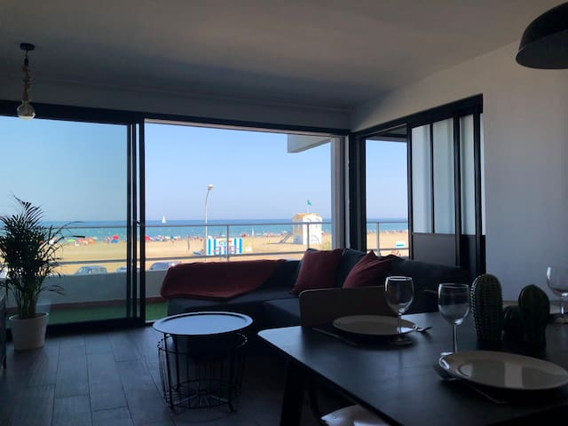 BEL APPARTEMENT CLIMATISE, 2 CHAMBRES VUE MER