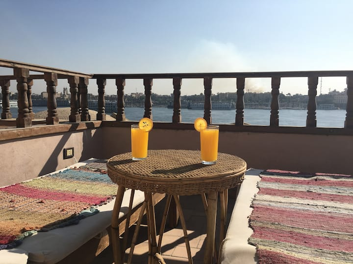 Beautiful Nile Villa with Private Swimming Pool!