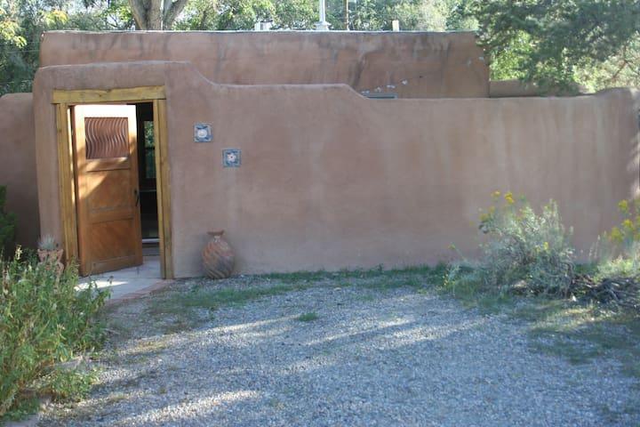 Charming and modern guest house - Los Ranchos de Albuquerque - Gæstehus